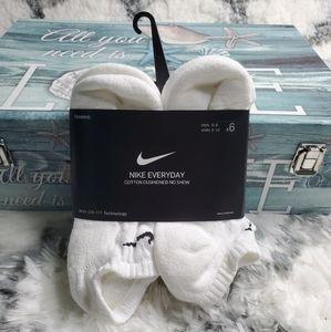 Nike women socks cotton cushioned no show